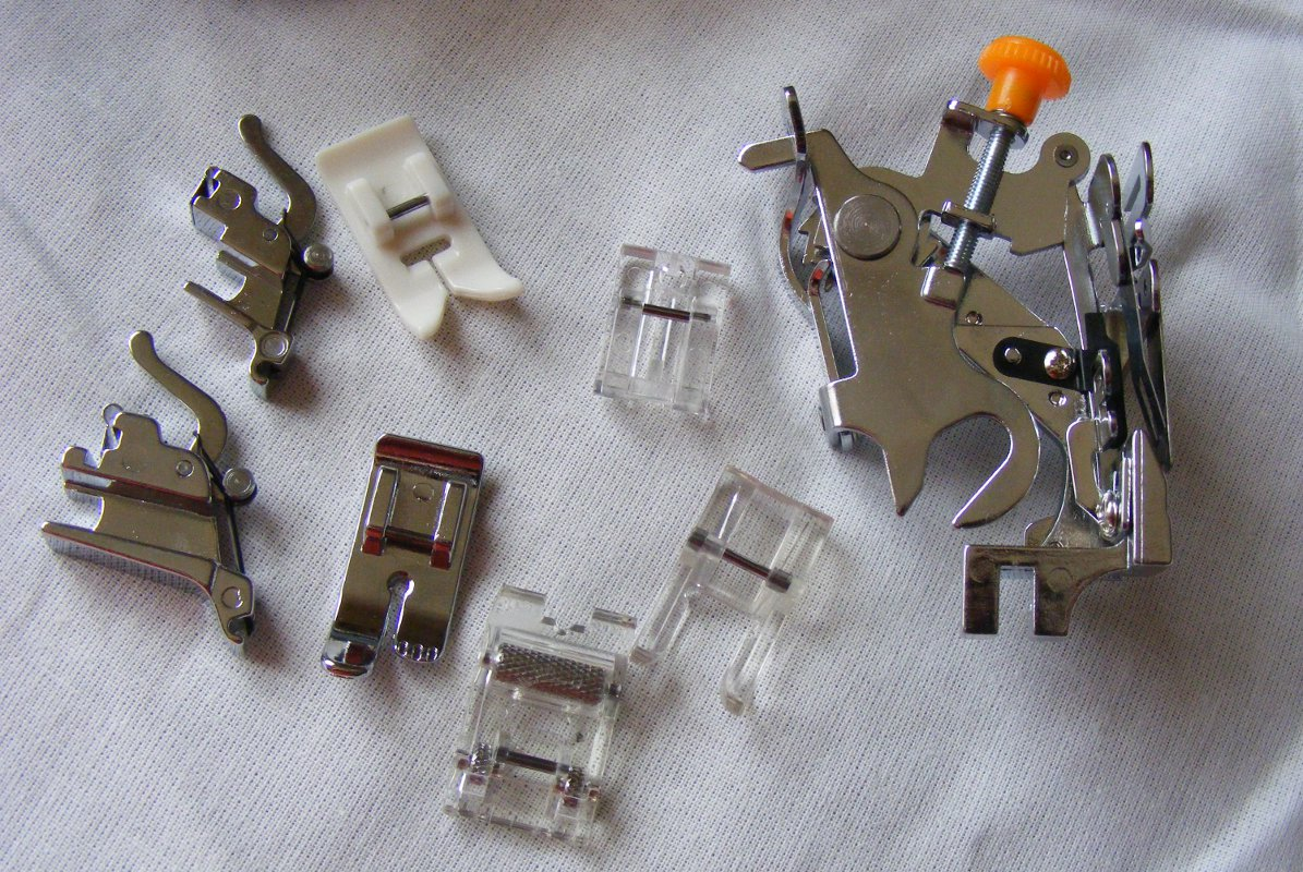 Set universal pentru masinile de cusut